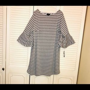 2/30 NWT! Sweatshirt Feel. DRESS WITH POCKETS!